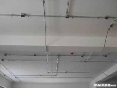 强电桥架与弱电桥架的距离要留多远 有什么注意事项图片