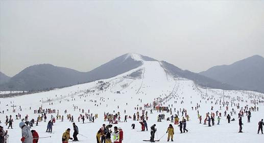 第一尖滑雪场